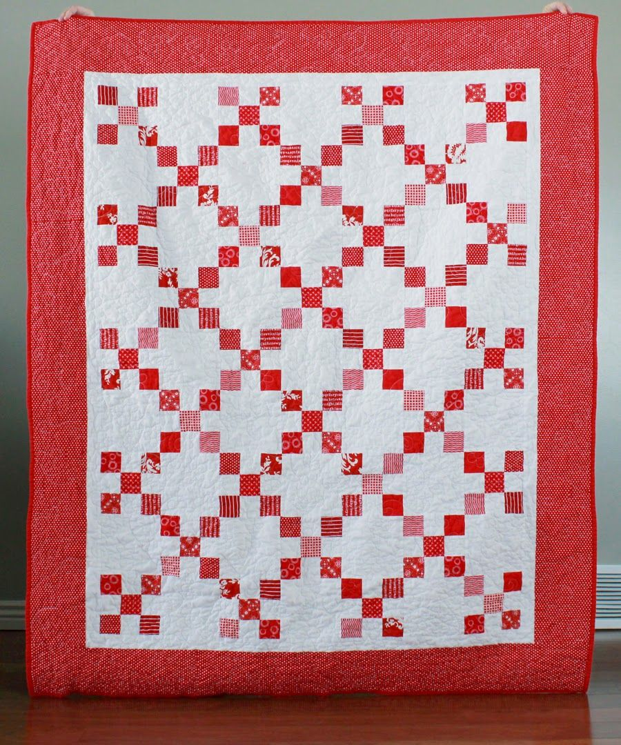 A bright corner an irish chain quilt and free quilt pattern