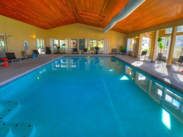 Club Palisades Apartments Http Www Clubpalisadesapts Com 855 837 5795 2211 South Star Lake Rd Federal Wa Apartment Pool Resort Style Pool Cool Apartments