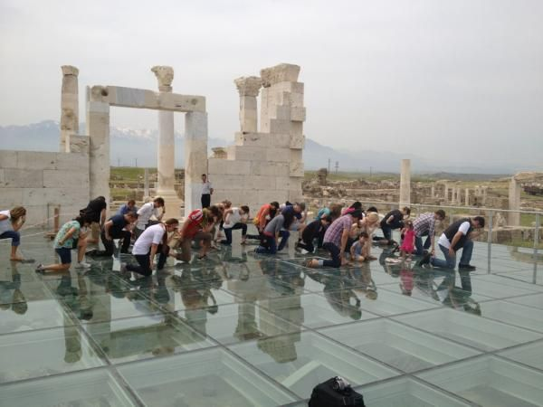 Tebowing in Biblical Laodicea.....
