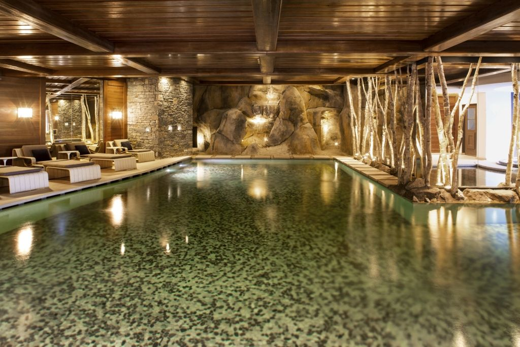 Best Spas of the World Guerlain at Cheval Blanc Hotel Courchevel - modernes design spa hotel