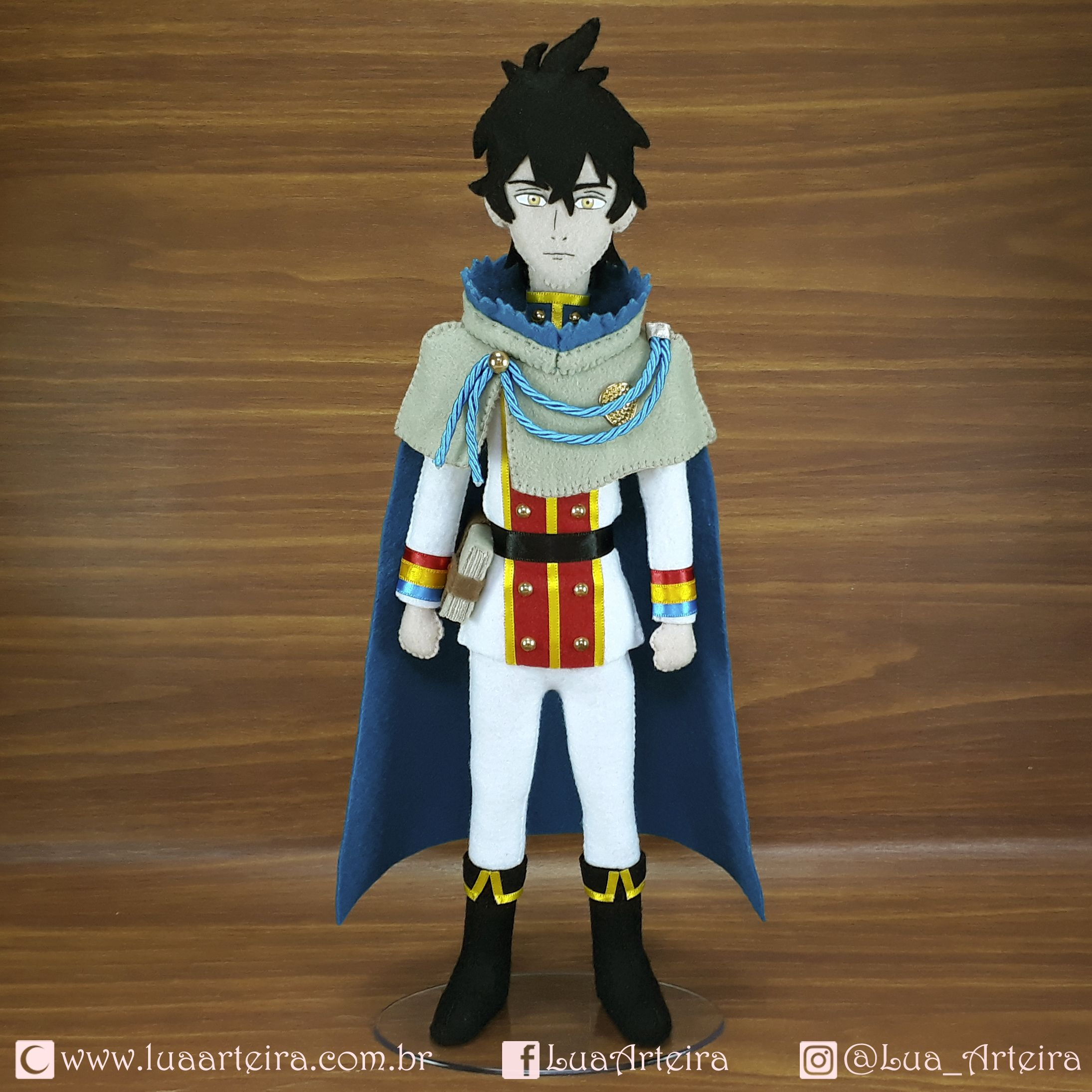 Ghim Tren Personagens Julius novachrono 「ユリウス・ノヴァクロノ yuriusu novakurono」 is the 28th magic emperor of the clover kingdom's magic knights. ghim tren personagens