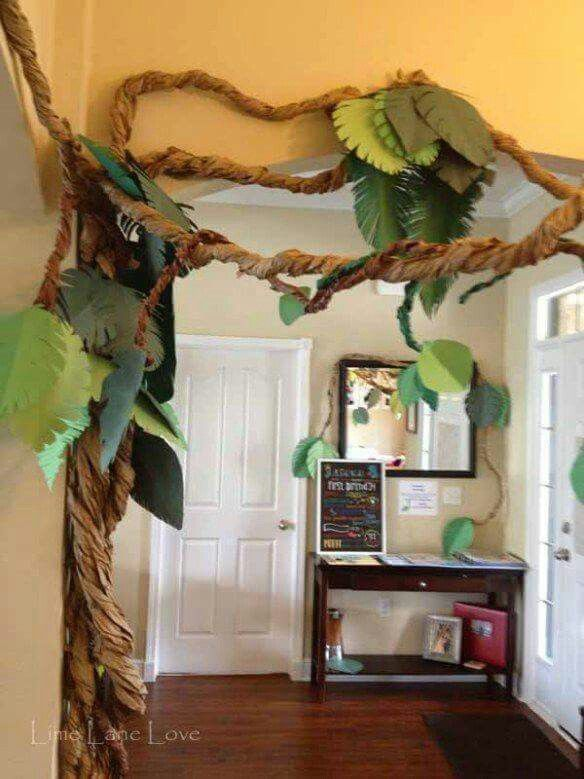 PERFECT paper jungle vine for a born to be wild baby shower or birthday party.  … Bebek Odası