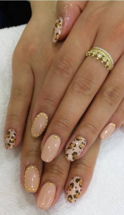 Oval shaped nails | cute, cheetah print and studds - Cute! Would Never Be Able To Do This But It's A Super Cute Look