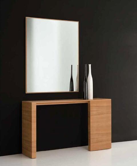 Mueble recibidor en madera con dos pies desiguales for Mueble recibidor moderno