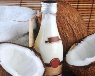 masque au lait de coco pour nourrir les cheveux recette. Black Bedroom Furniture Sets. Home Design Ideas
