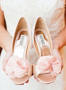 13 Ruffle-y, Feather-y Wedding Ideas for Ultra-Feminine Brides ...