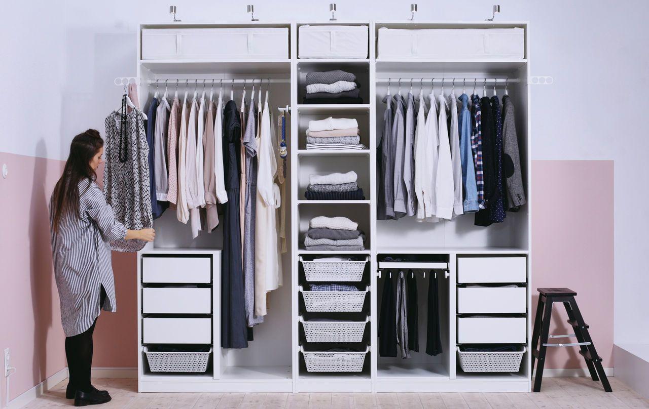 Ikea Tiroir Armoire Pax an open, organised wardrobe for a couple | ikea closet