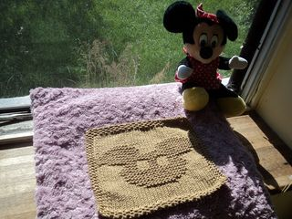 Pattern for knitted Mickey head Dishcloth...I am so making ...