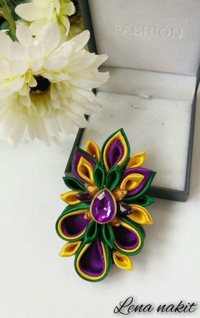 Kanzashi brooch