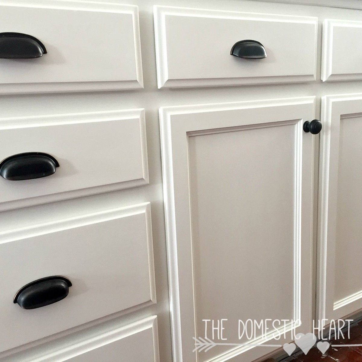 Chalk Paint Kitchen Cabinets Diy: Chalk Paint Vs. Latex Paint For Kitchen Cabinets