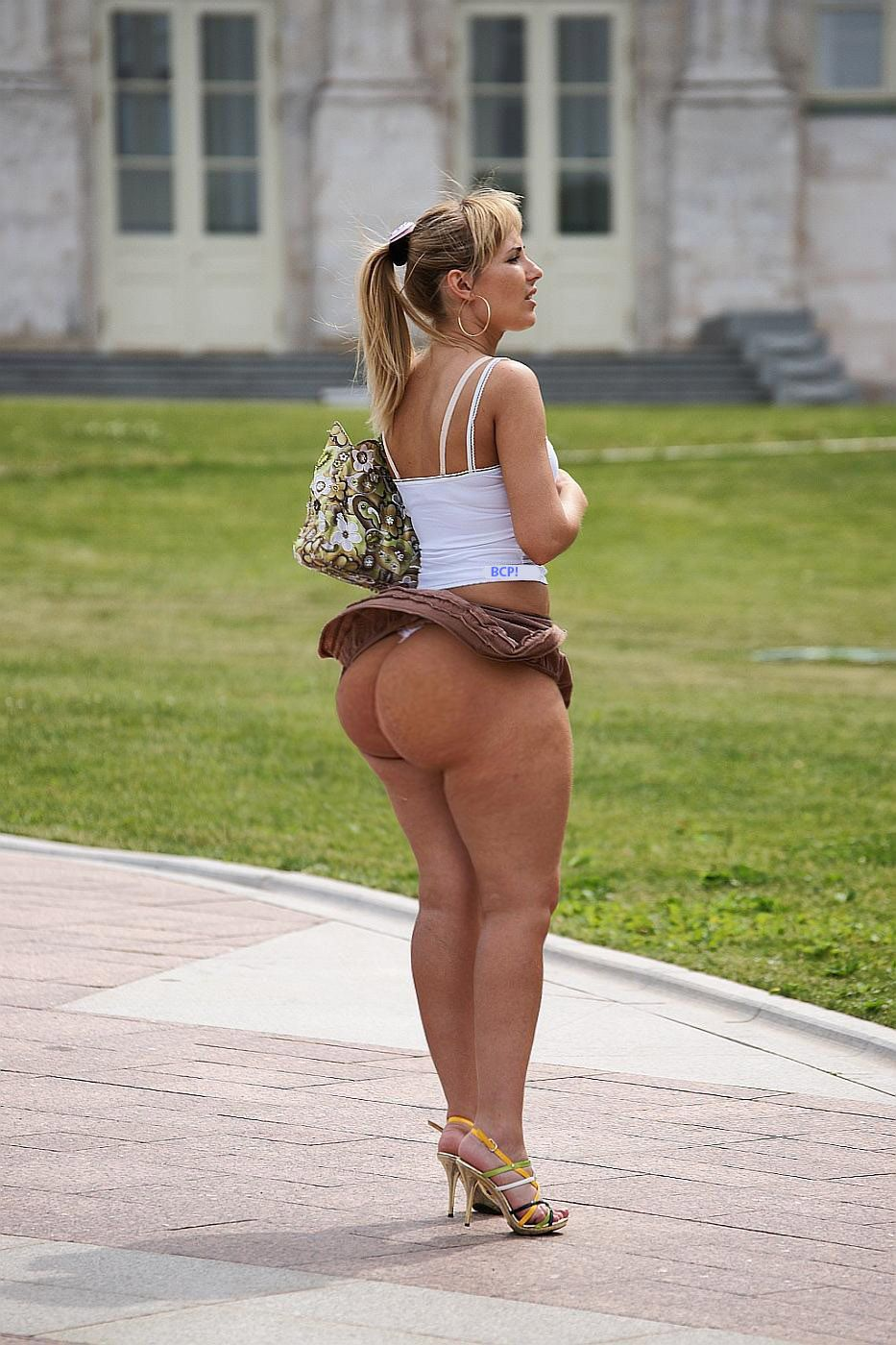1000+ images about Big Booty on Pinterest | White girls, Daisy ...