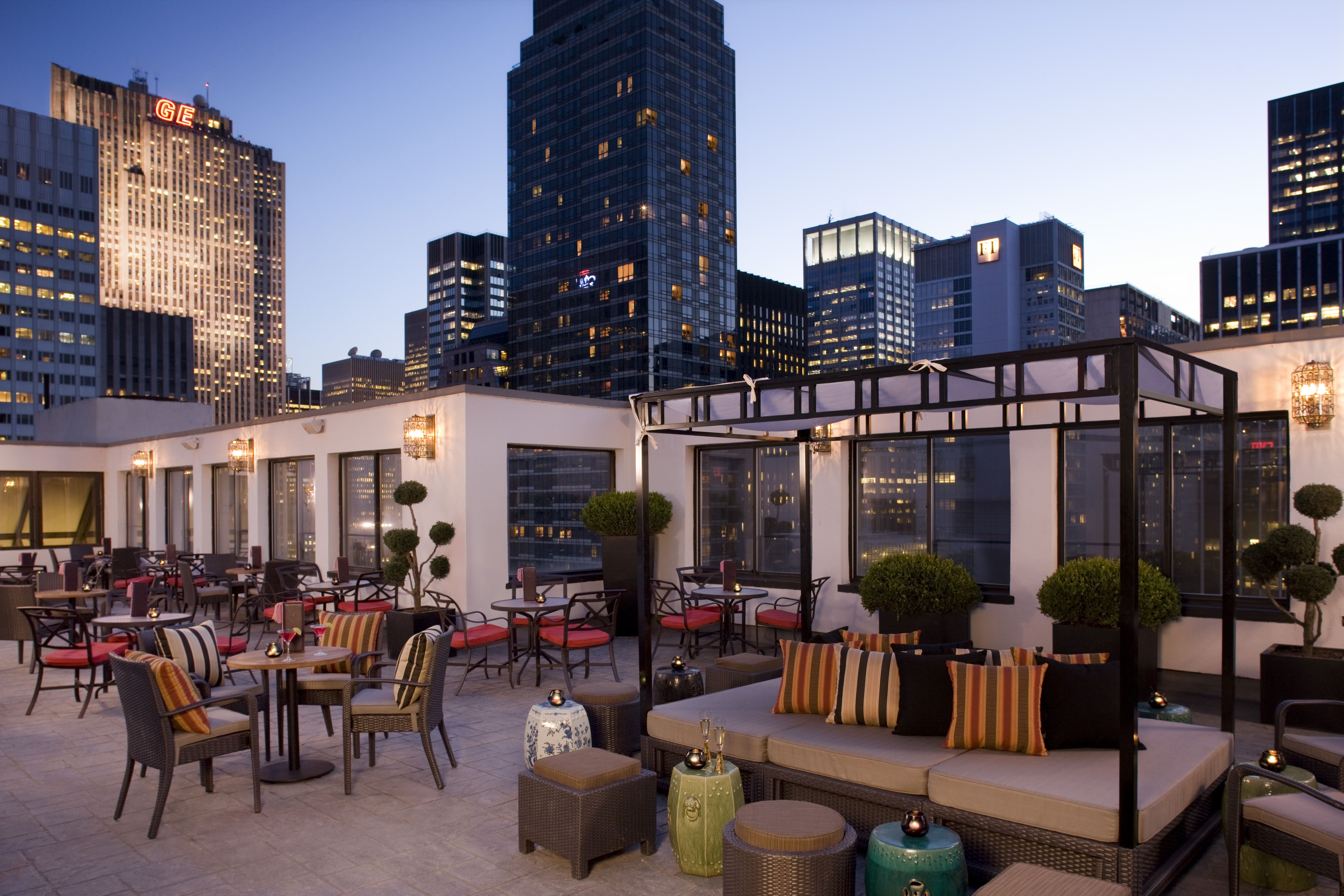 The Peninsula Nyc S Salon De Ning Rooftop Bar And Lounge Offering Two Outdoor Terraces