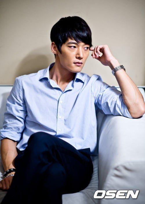 CHOI JIN HYUN