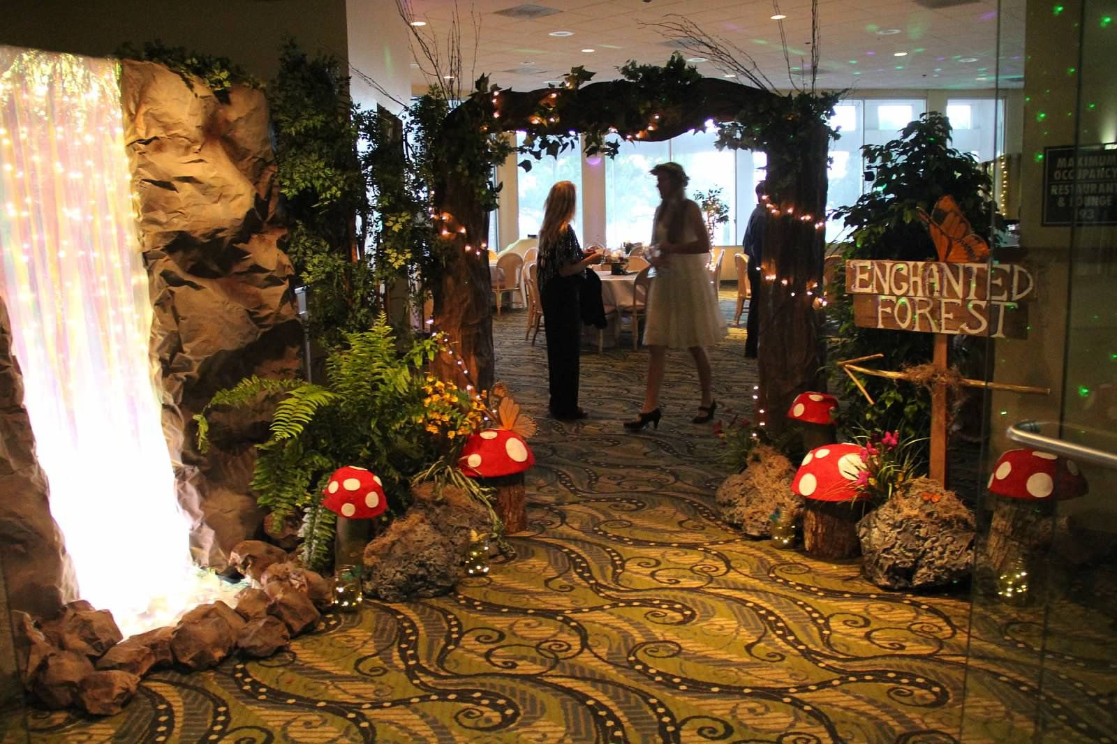 Bring the outdoors inside with lots of foliage and flowers