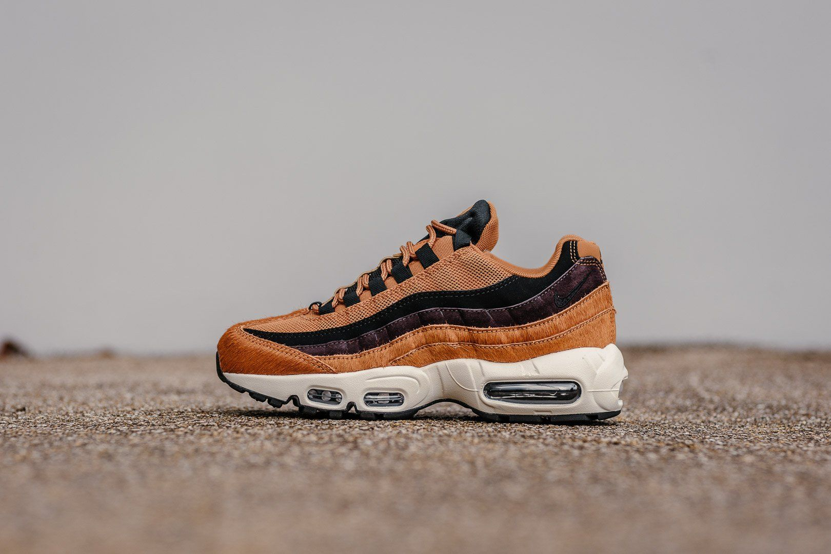 Product Name: WMNS Nike Air Max 95 LX AA1103-200 Specifications: Boasting a  completely distinct style with faux Pony Hair accents stealing the show.