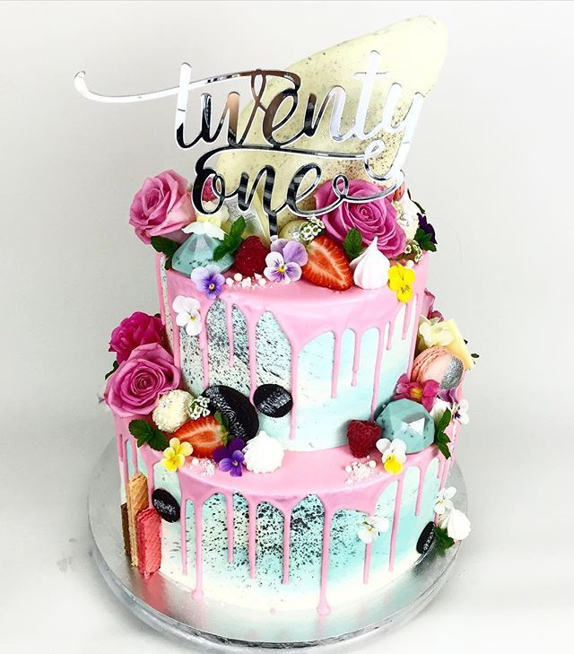21st Cake For The Lovely Lady Laurzzsmith Featuring Glisteningoccasions Cake Topper 21st Birthday Cakes 21st Cake 21st Birthday Cake