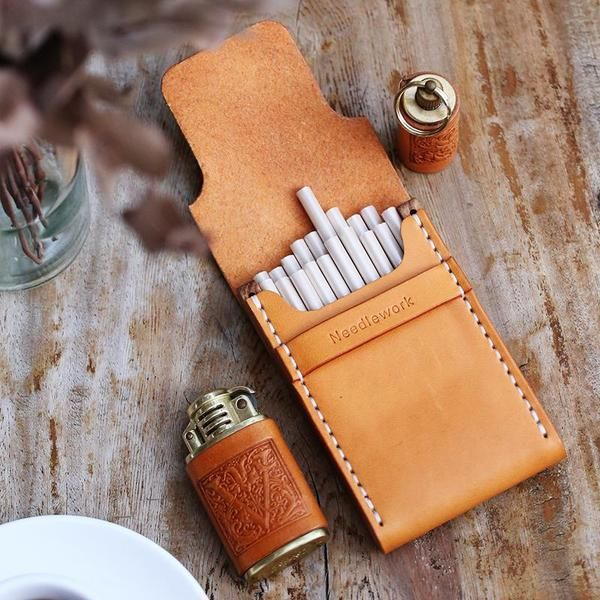 Wooden Beige Leather Womens 20pcs Cigarette Case Custom Cigarette Holder for Women #leatherwallets
