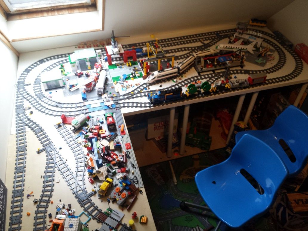 Tracklayout lego RC of my son