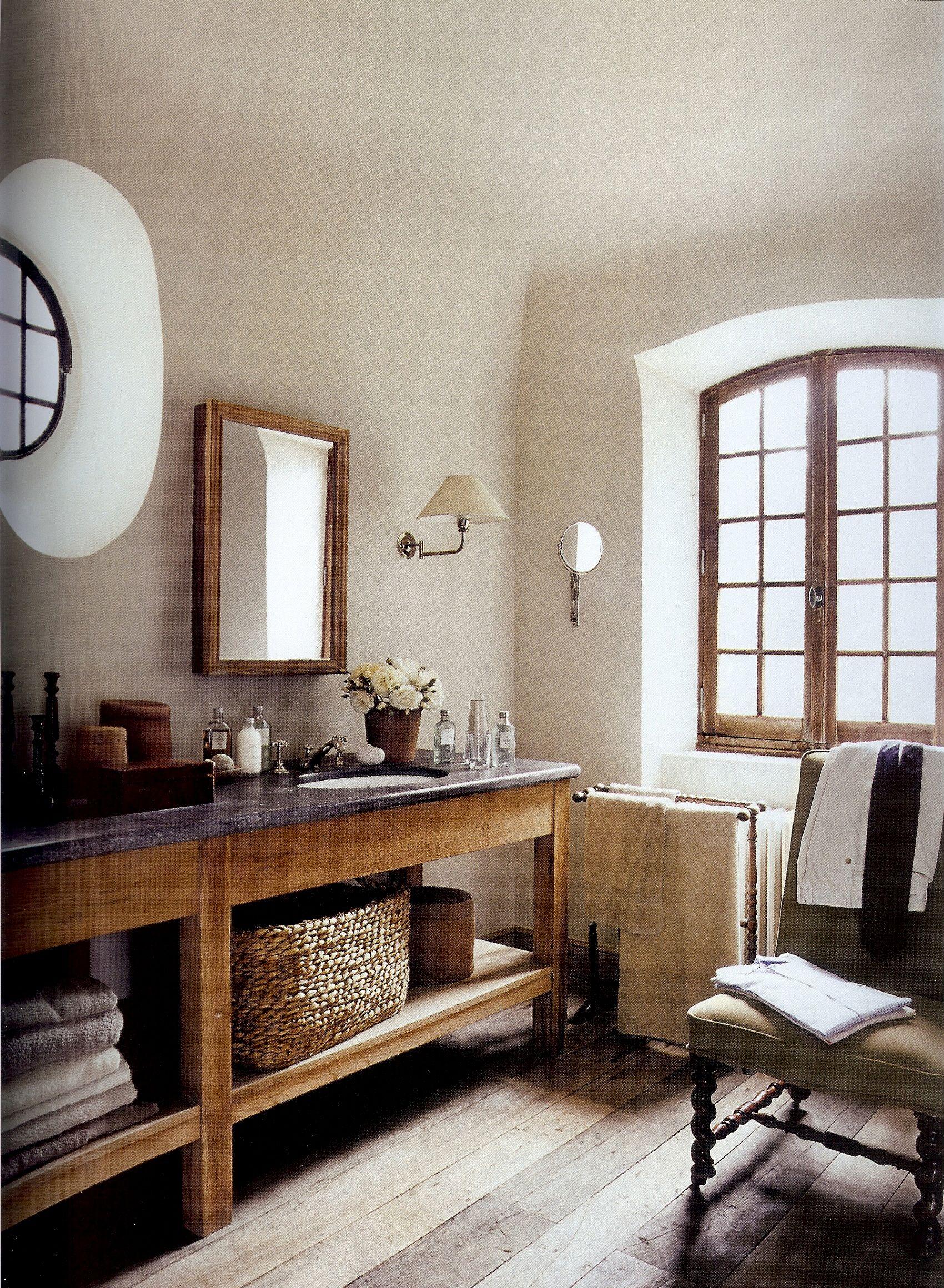 Gorgeous Bathroom Modern Rustic I Like The Open Vanity With Baskets Etc Underneath Rustic Bathroom Designs Rustic Bathrooms Home Decor