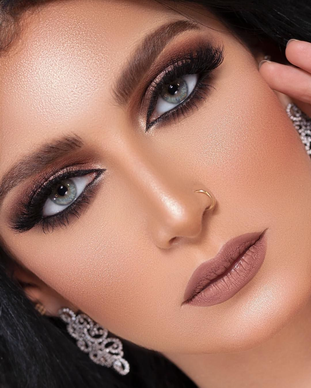 477 Likes 114 Comments G A R A M I Official Garami Signature On Instagram كولكشن رمضان العيد مودي Makeup Eyeshadow Smokey Gorgeous Makeup Lovely Eyes