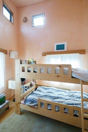 芸術と自由を尊ぶ暮らし美しさに日々癒される シュタイナー思想に基づく家 部屋 ベッドルーム 家