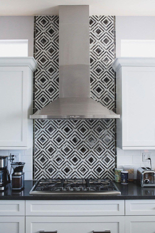 """19+ ( Black & White ) Kitchen Backsplash Ideas """"Make it"""