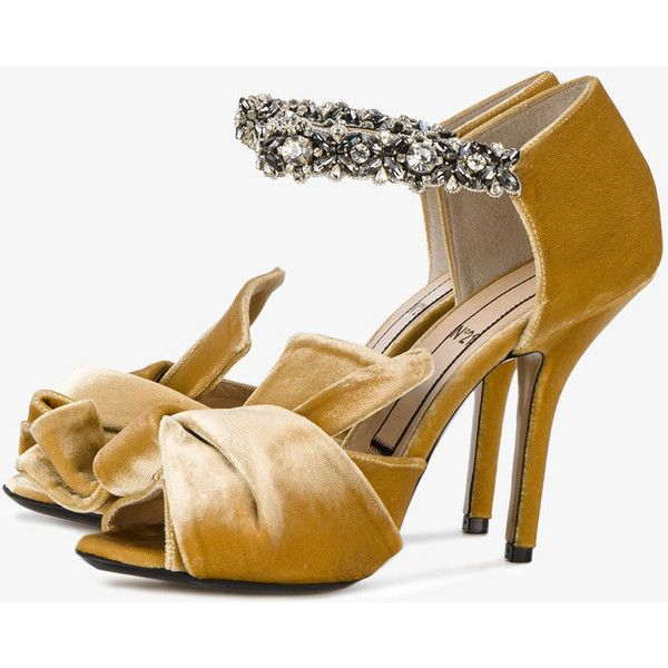 1b5cb02caa Nº21 Yellow Velvet Crystal 110 Sandals (1.370 BRL) ❤ liked on Polyvore  featuring shoes
