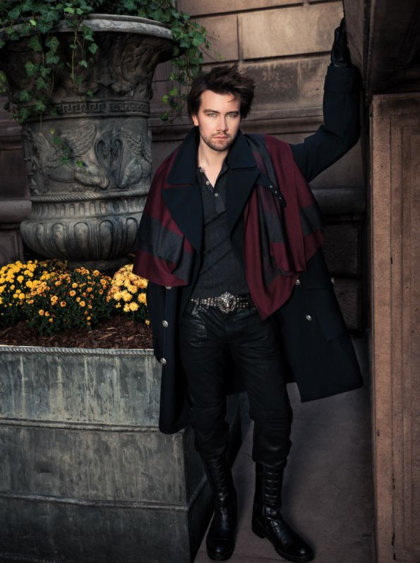 History has never been hotter. Mary, Queen of Scots, gets a major makeover in Reign, a sexy new series on The CW.