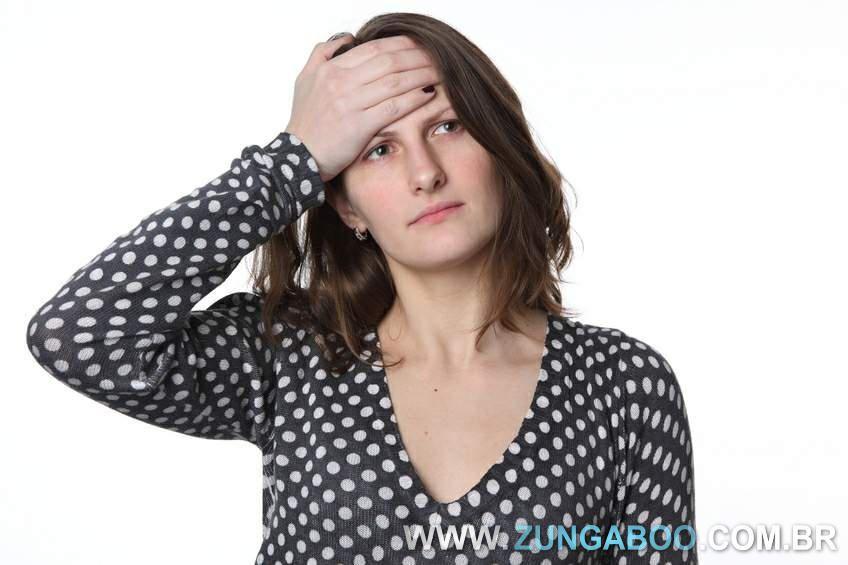 A ansiedade pode ser uma grande vilã para quem deseja perder peso. Se você se sente ansiosa confira nossas dicas de como controlar a ansiedade.