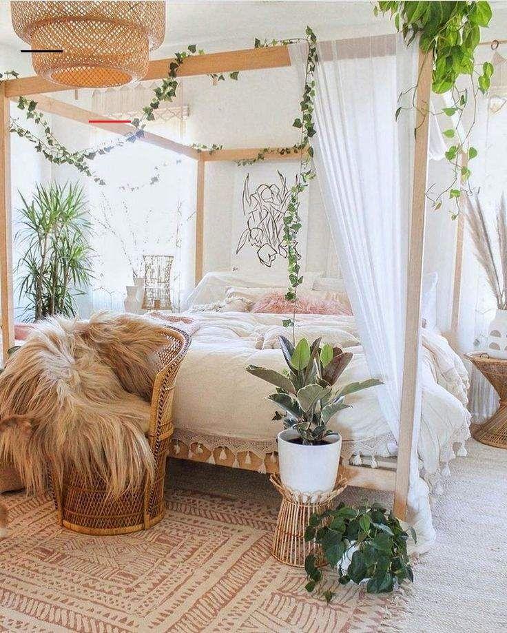 Pin von Alyssa auf Bedroom plant inspiration in 2020   Böhmische schlafzimmerdeko, Schlafzimmer ...