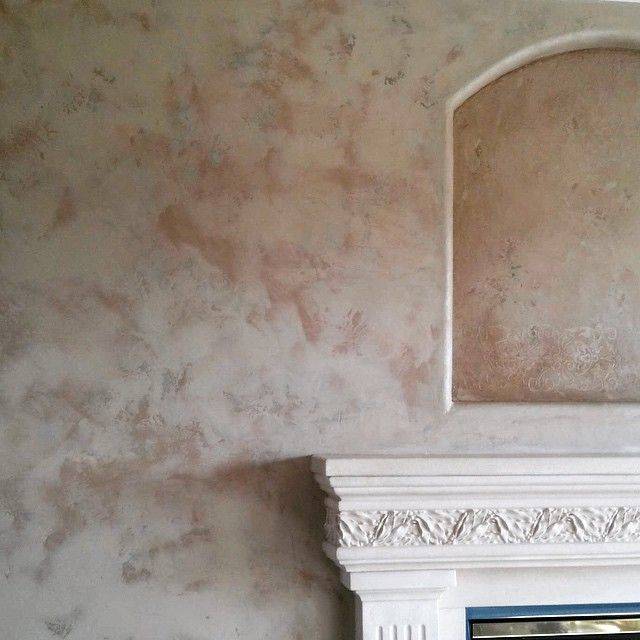 Antiqued Plastering And Gold Glaze Faux Finish Wall: Metallic Plaster Wall And Niche Finish