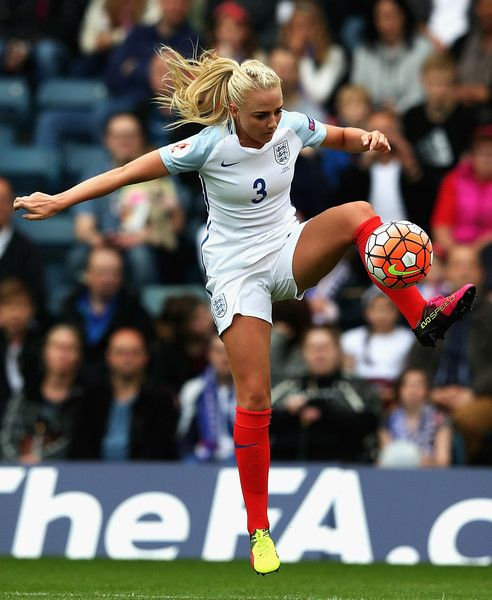 Alex Greenwood Photos Photos England V Serbia Uefa Women S European Championship Qualifiers Football Girls Female Soccer Players England Ladies Football