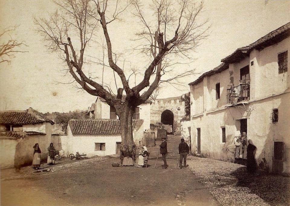 1885 Albayzin, Puerta de San Luis y Puerta de Fajalauza