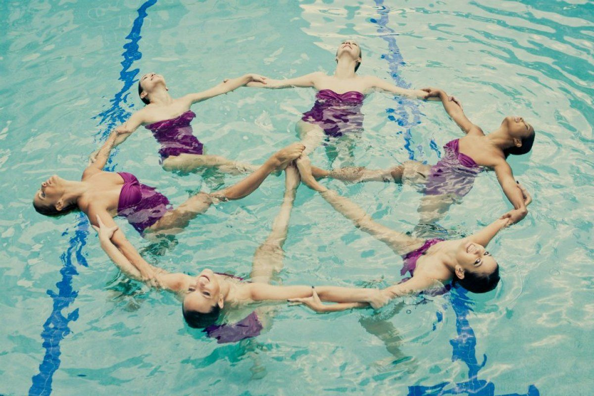 Photos Our Very Own Synchronized Swim Performance Troupe Olympic Synchronised Swimming Swimming Swim Team