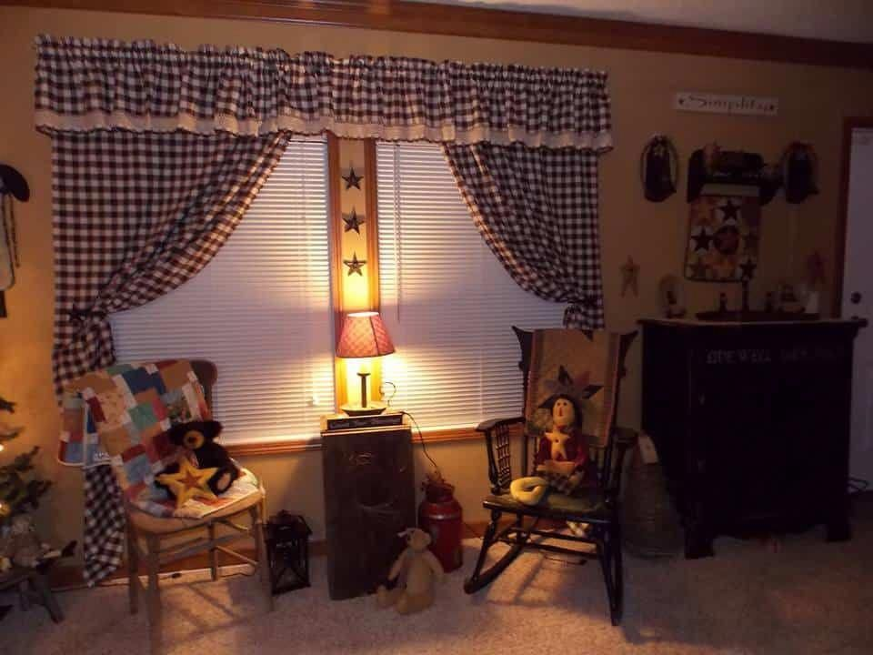 A Modern Double Wide Goes Primitive With Country Decor 6