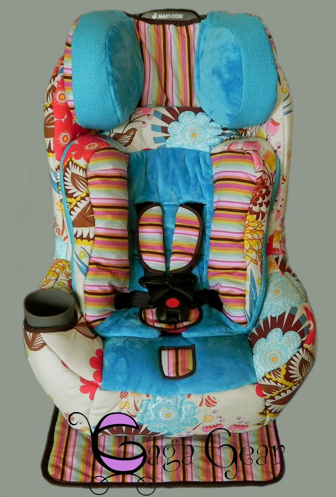 MAXI COSI PRIA 70 With Tiny Fit Insert A Car Seat Cover From The