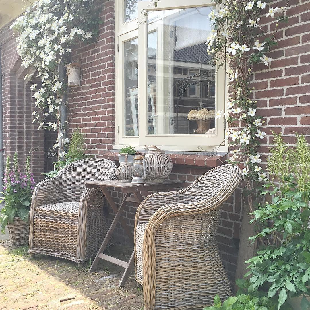 Heerlijk hoe alles groeit en bloeit ! #home #rustic #landelijkwonen #landelijk by melissasplinter