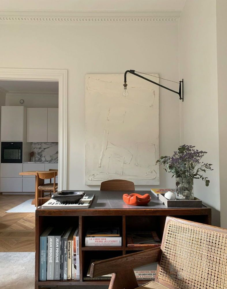 Minimal Scandinavian design at its best. Get to know interior designer Fredrik Karlsson...       #interiordesignideas #interiordesignblog #interiorinspiration #interiorismo #minimlalistinterior #abitareblog #interiordesigninspiration #elegantinteriordesign  #scandinaviandesign #nordicdesign