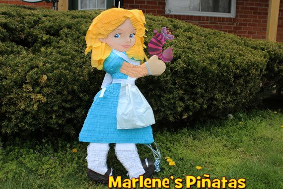 Pull My Strings Walk Tall: Alice In Wonderland Pinata En 2019