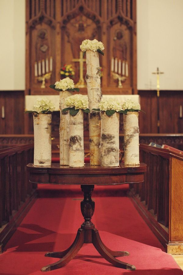 love the simplicity and elegance of these bouquets.