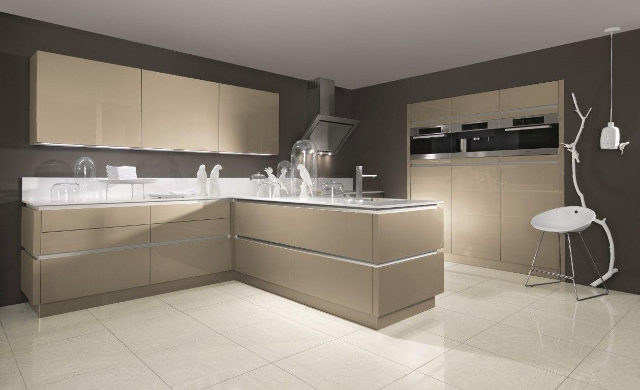 Moderne Keuken Kleuren : Moderne keuken in warme kleur kleuren keuken pinterest moderne