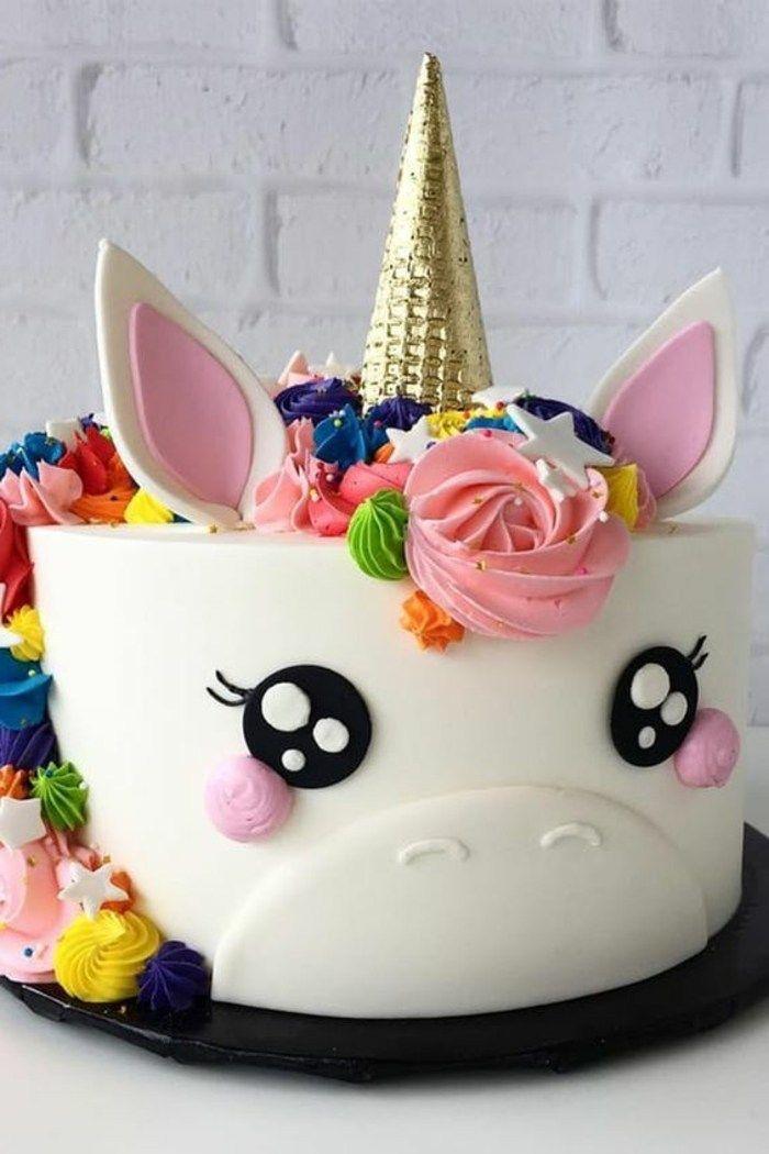 Kinder Torten Einhorn Geburtstagstorte In 2020 Kinder Torten Einhorn Kuchen Kindergeburtstag Kuchen Einhorn