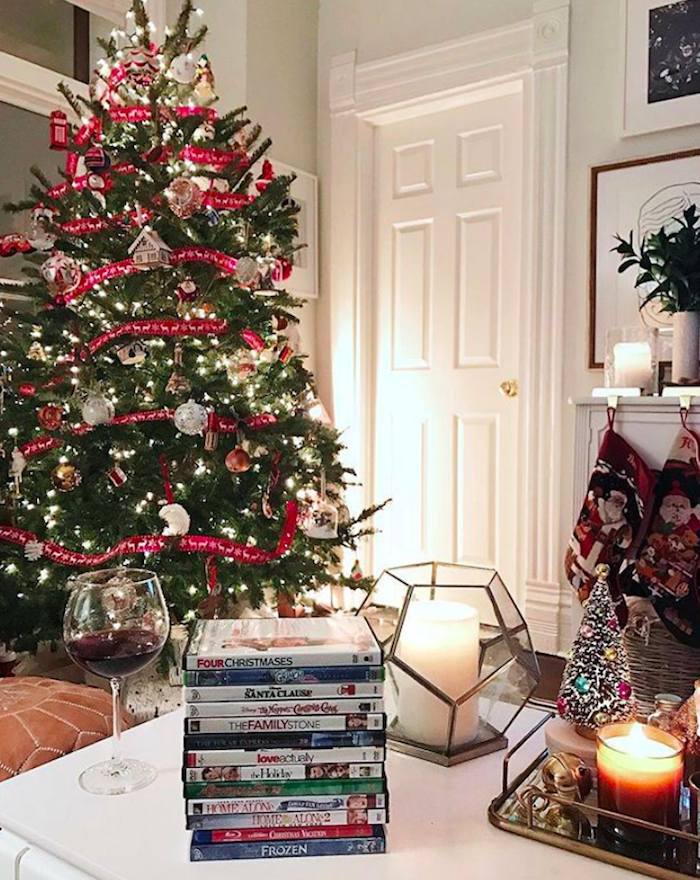 5 Essentials To Make Your Home Ultra Cozy For The Holidays Diy Holiday Decor Holiday Decor Traditional Holiday Decor