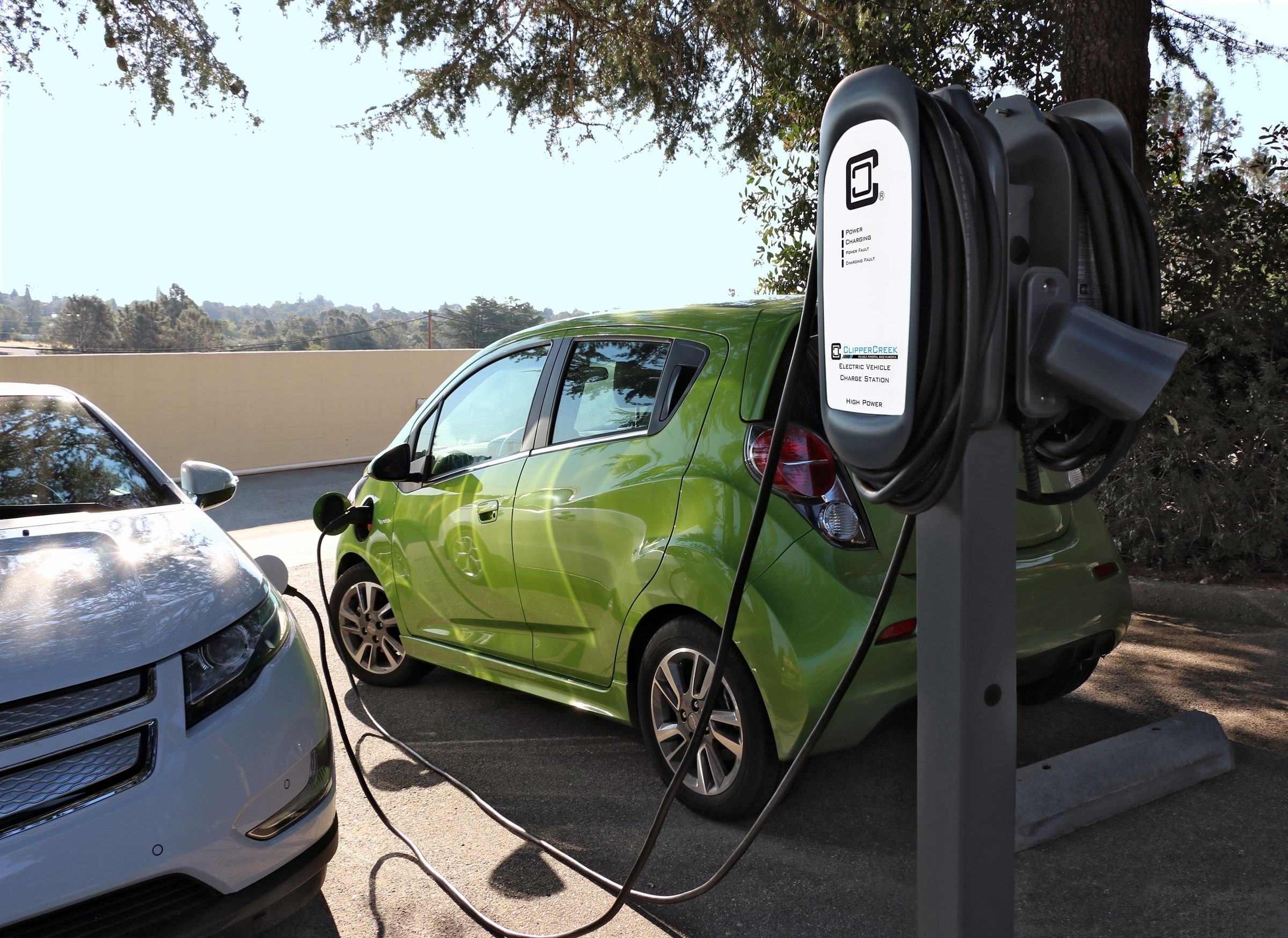 Inc Announces New Power Sharing Electric Vehicle Charging