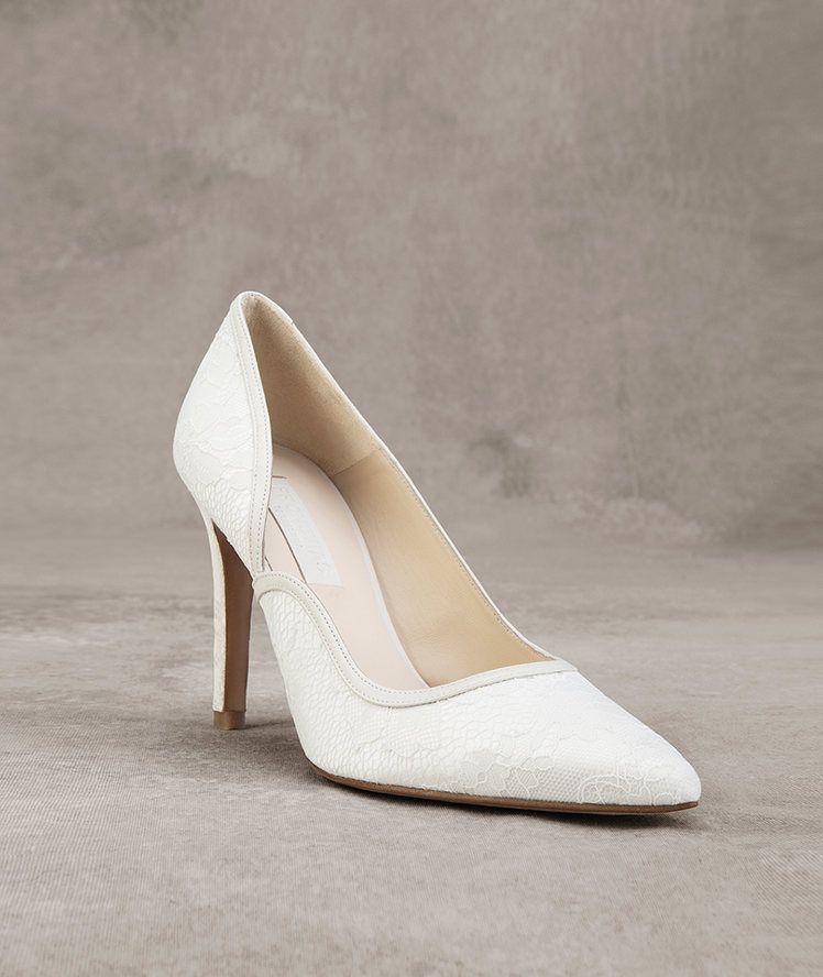 Gianna Lace And Leather Shoe As Accessory Pronovias Pronovias Brautschuhe Schuhe Schuhtrends