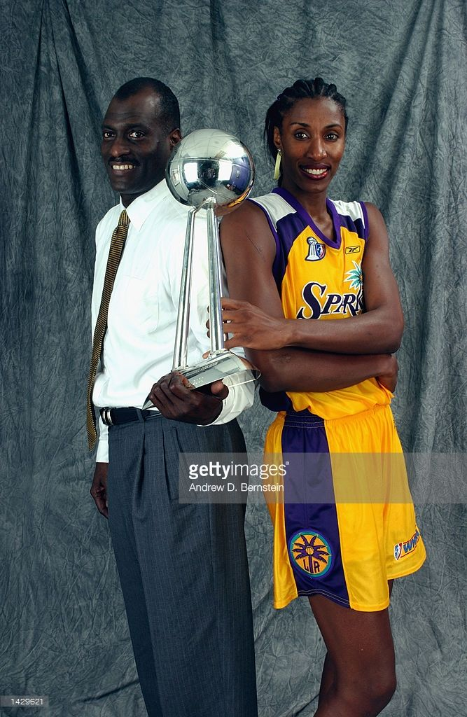 Head Coach Michael Cooper And Lisa Leslie Of The Los Angeles Sparks Picture Id1429621 667 1024 Lisa Leslie African American Tall Women