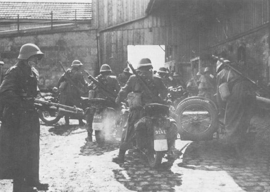 A Swiss motorcycle company prepares to head out on maneuvers.  (Motorbuch Verlag)