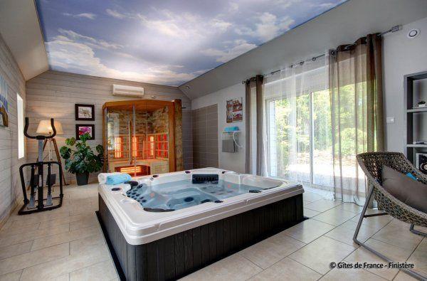 Location de vacances pour 6 personnes à BRIEC-DE-Lu0027ODET près de - location villa piscine couverte chauffee