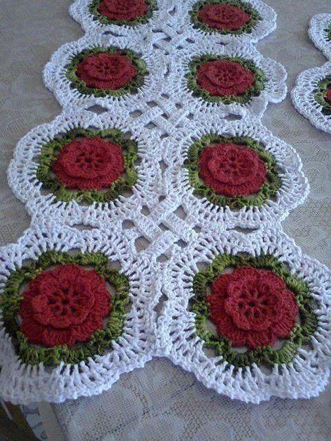 Centro mesa croche guardanapos e trilhos de croche e for Centro de mesa a crochet