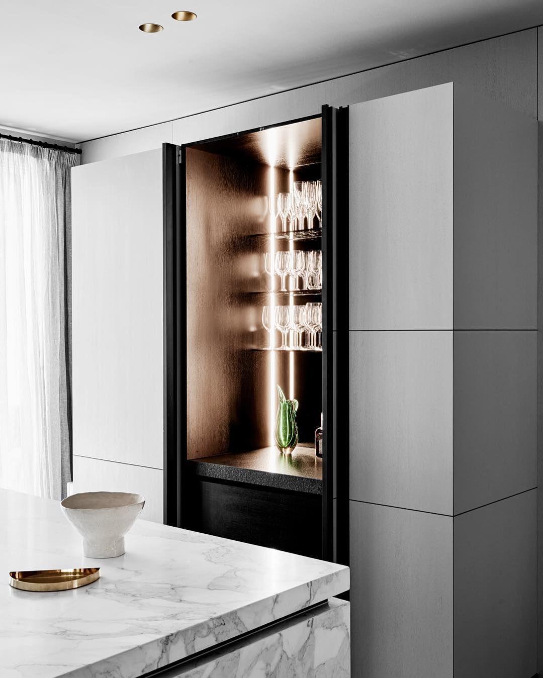 pingl par quentin r sur retail pinterest salon salle et design. Black Bedroom Furniture Sets. Home Design Ideas